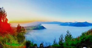 mount bromo tour by camping and ijen crater tour 4D3N